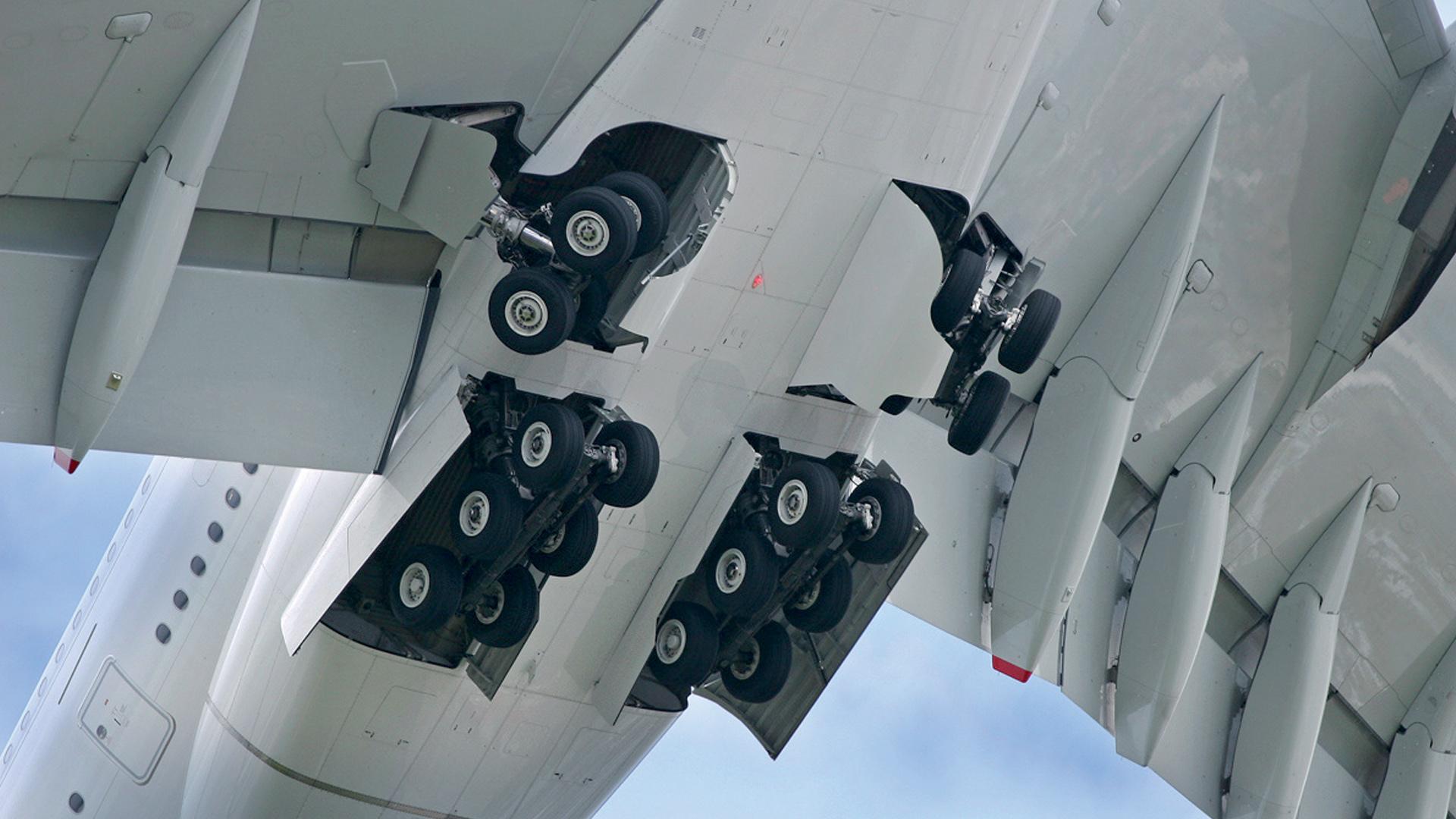 Landing gears